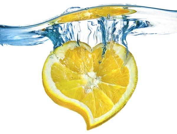 الماء مع فوائد الليمون